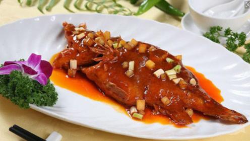 这道菜一上桌10米之内不能站人,一般人闻了就头晕,不是臭豆腐