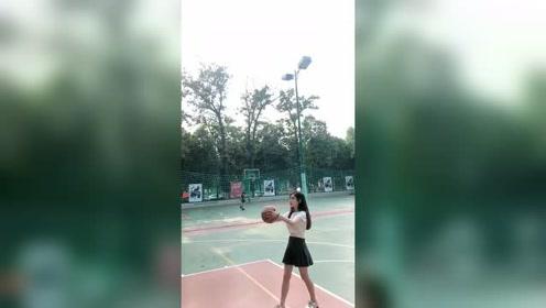 现在都流行妹子玩篮球了啊