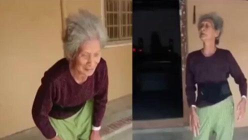 84岁老人后仰摔倒驼背痊癒 医生:无法解释