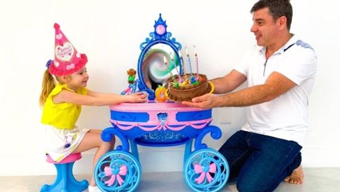萌娃说今天是自己生日,爸爸亲手做了蛋糕,最后才发现被糊弄了!