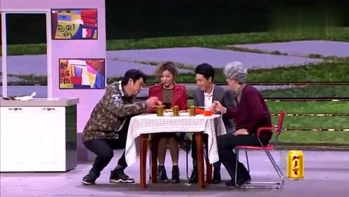 搞笑小品,艾伦在王宁家吃饭,没有凳子蹲着吃,他看傻眼了!
