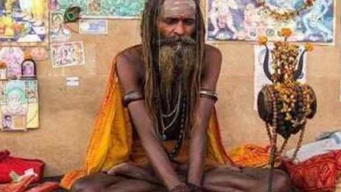 印度一90岁老人 对外宣称77年不吃饭