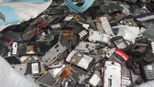 1吨手机中究竟能提取出多少黄金?回收商:比开金矿还赚钱!