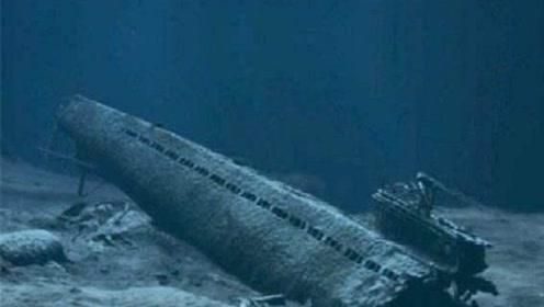 """潜艇掉2600米""""断崖""""压扁,129人丧生22枚核弹失踪"""