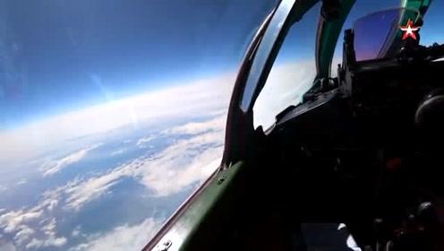 米格-31BM训练飞行,在平流层中的壮观