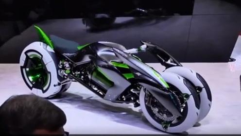 日本发明变形摩托车,能随意切换双轮四轮,黑绿配色令人大开眼界