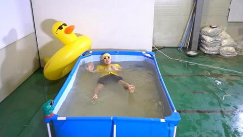 """韩国小哥用200公斤盐,在家模拟""""死海"""",入水瞬间巨震撼"""