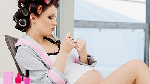 孕期不做黄脸婆,哪些彩妆护肤会安全? 明星妈妈孕期化妆包大揭秘