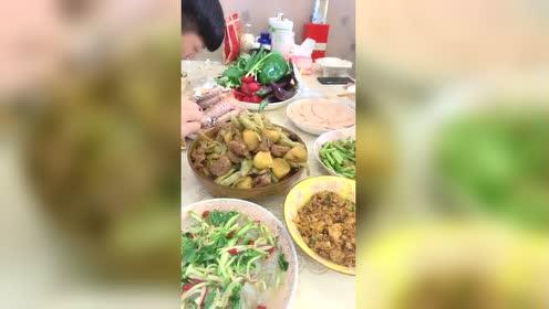 儿子告诉高中饭菜做的妈妈好吃!同学广州市民办越秀区图片