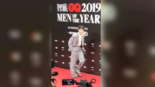 GQ十年人物盛典:今天的刘昊然长这样