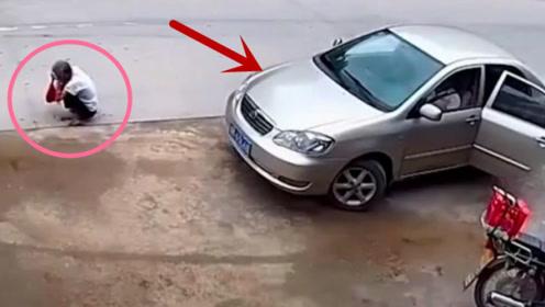 这起事故谁的责任呢?老人在路边突然蹲下,意外发生了