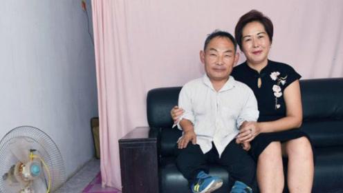男子先天残疾身高不足1米,漂亮妻子1.7米,网友:真爱!
