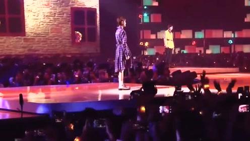 刘宇宁和陈雪凝合唱《慢慢喜欢你》,这甜甜的声音,简直让人陶醉