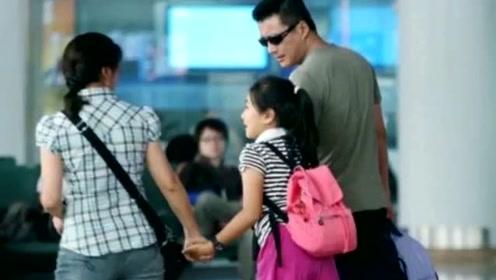 52岁江珊全家近照曝光, 小15岁男友比靳东还帅, 颜值超高