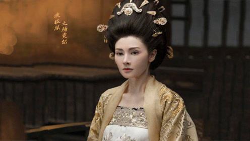 李嘉欣贵妃妆不愧是顶级女神 49岁的李嘉欣依旧美艳如当年
