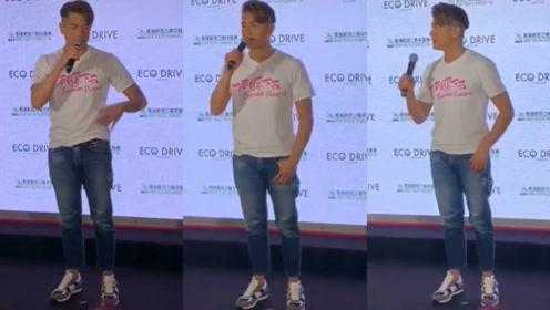 53岁郭富城出席活动超年轻,超厚增高鞋抢镜秒变一米八