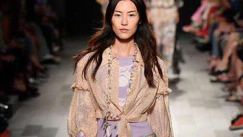 刘雯巴黎时装周一天三场,遇到失误下一秒反应酷了,网友:超模
