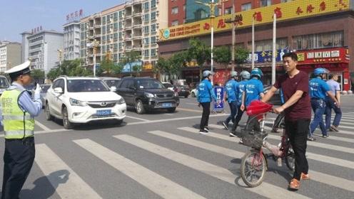 """因不服""""车让人""""处罚,温州男子将交警告上法庭,法院驳回起诉!"""