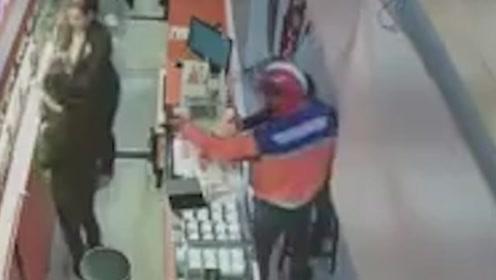泰男子穿邮政制服打劫金店 邮政:不是我们,我们也刚被偷