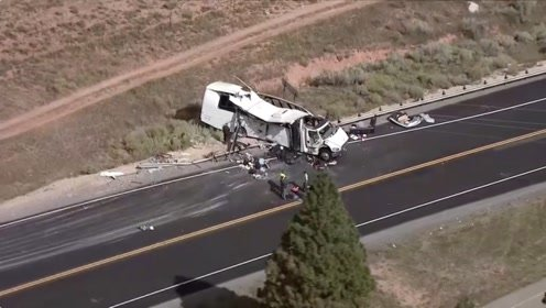 美国犹他州旅游大巴发生严重事故 多名中国公民伤亡