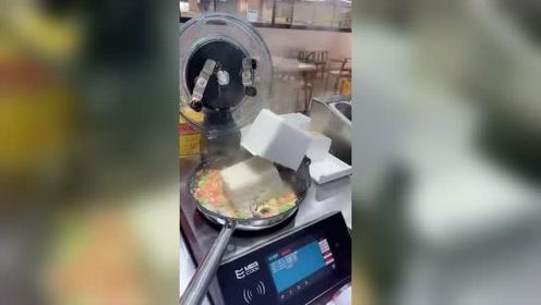 厨师也快要下岗了,智能机器人直接取缔人工