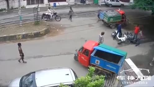 诡异,一路口经常发生事故,为啥?