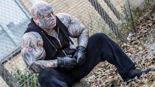 囚徒励志健身!监狱4年练出一身逆天肌肉,每天依靠喝泡面增肌!