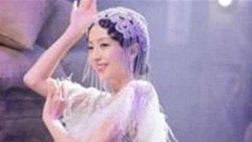 鼠胆英雄:佟丽娅穿泳衣出镜,完美身材一展无余,岳云鹏看愣了!
