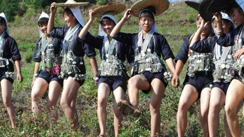 """中国最""""性感""""的民族,为何女人裙子只准5寸长?驴友说出真相!"""