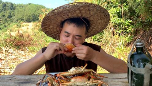 螃蟹原来还可以这么做,小伙在山里焖一锅螃蟹,香辣下酒太过瘾了