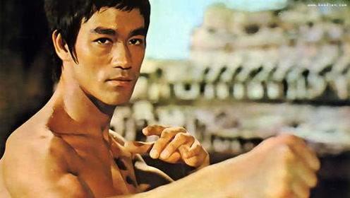 李小龙为何突然关闭武校回到香港拍摄电影?