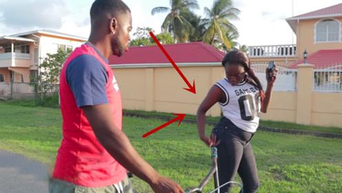姑娘看不起自行车,拒绝小伙约会,刚坐上丰田却被赶下车!