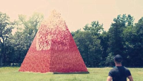 牛人将100000个杯子叠成金字塔,用枪扫射,千万别眨眼!