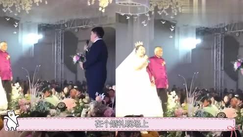 结婚现场新娘大秀歌技,不料伴娘一开口全场沸腾,新郎:娶错人了