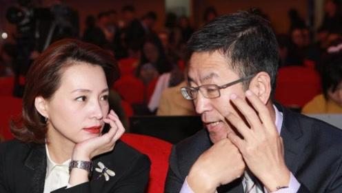 51岁白岩松妻子曝光,原来是大家熟悉的她,难怪一直这么低调!