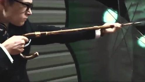 小伙的伞可以抵挡子弹,没想到对面换了一把枪直接打穿