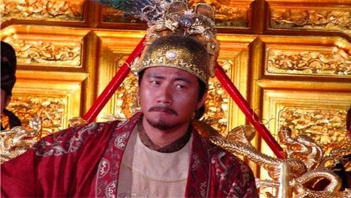 恶霸强占民妇,官员却集体包庇,朱元璋却把县令到尚书全部处斩!
