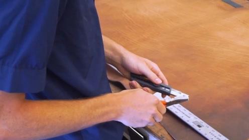 男子选用整块牛皮,手工制作一条皮腰带,这才叫工匠精神