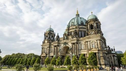 柏林最抢眼的地标性建筑物,二战期间备受伤害,现在火了