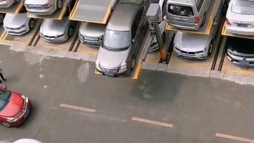 清华学霸研究出来的停车位,解决了没地方停车的难题,为祖国的进步感到骄傲