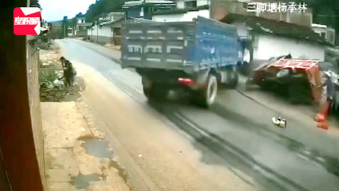吓到尖叫!广西一男童奔跑横穿马路,货车避让不及将其碾压