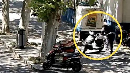 最危险的地方最安全?男子偷走电动车停派出所门口:怕同行偷