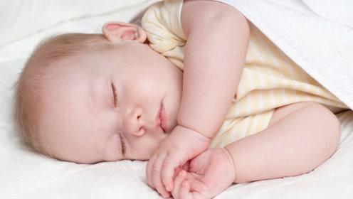 """宝宝睡觉摆出这3种姿势,很可能是生病的""""信号"""",宝妈要留意"""