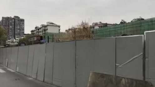 杭州路面塌陷后续:大爷获赔440万,1月看35套房没有中意的