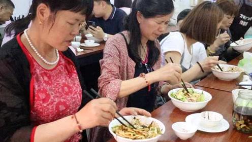 北京餐厅主动提供一次性餐具或罚款,网友:爱环保但担心卫生