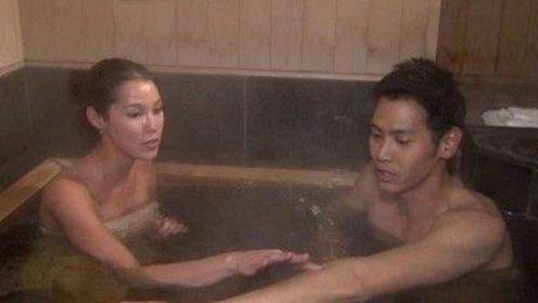 日本的温泉,不但可以混浴,居然还有这些服务