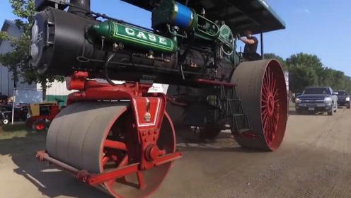1926年的拖拉机被曝光,一个世纪前技术如此先进!猜猜是谁发明的