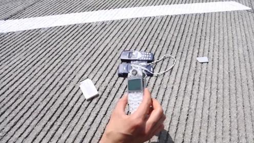 诺基亚从1500英尺扔下,会发生什么?国外小伙用无人机测试