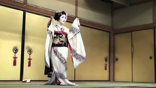 为什么日本艺伎要把自己的脸涂这么白?直到今天才明白