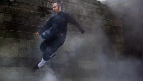 中国秘传功夫夜行壁虎爬墙术,真正的飞檐走壁!